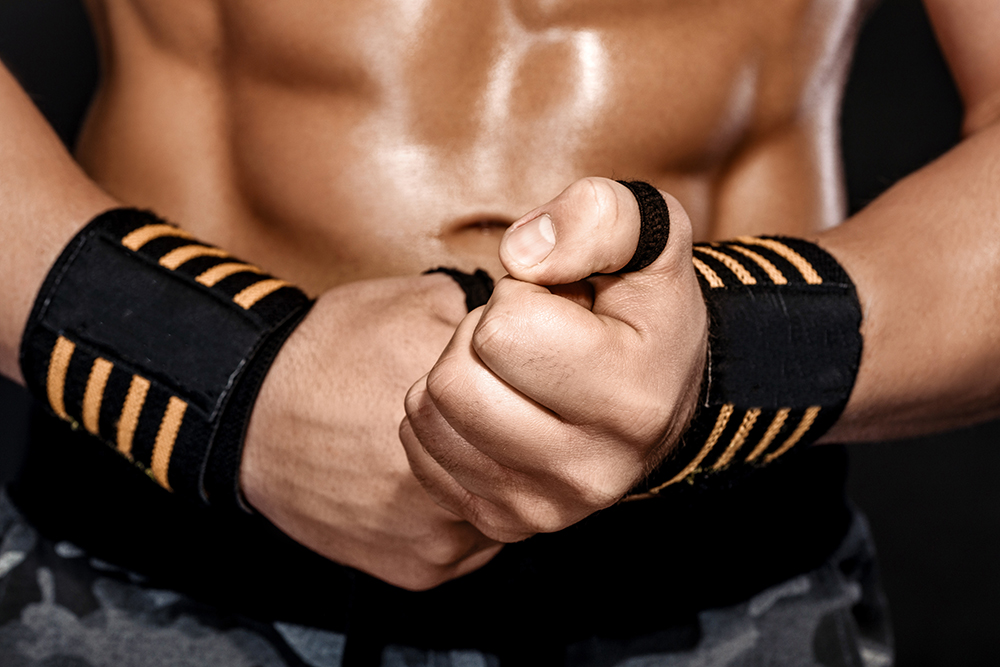 5 Wrist Wrap Benefits (Do They Help You Lift More